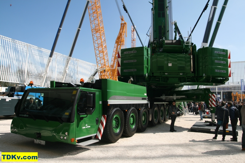 http://www.tdkv.com/sites/default/files/Liebherr-LTM-1750-91-King-Lifting-001.jpg