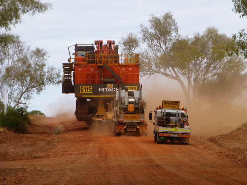 Doolan's Heavy Haulage from Australia transport a Hitachi excavator on Scheuerle widening trailer