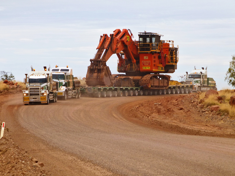 Doolan's Heavy Haulage from Australia with Hitachi excavator transport